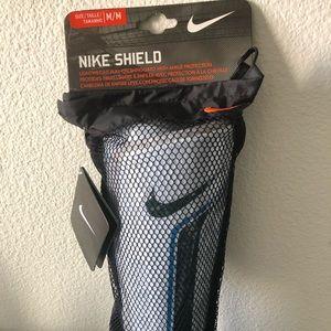 2 pair Nike Shield Shin Guards, Adult Unisex, Siz…